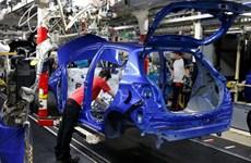 Pháp sẵn sàng hỗ trợ các hãng ôtô chuyển hoạt động sản xuất về nước