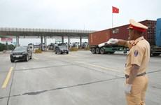 Cảnh sát giao thông ra quân tổng kiểm soát các phương tiện giao thông