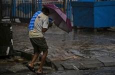 Siêu bão Amphan kèm theo mưa lớn đổ bộ vào miền Đông Ấn Độ