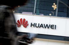 'Gã khổng lồ' Huawei không chùn bước trước áp lực từ Mỹ?