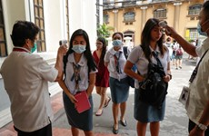 Dịch COVID-19: Philippines không mở lại trường học nếu chưa có vắcxin