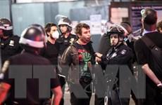 Thượng nghị sỹ Dân chủ ngăn Tổng thống Mỹ mạnh tay với người biểu tình