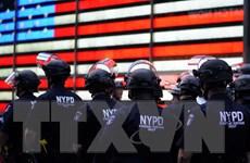 Mỹ: Thành phố New York duy trì lệnh giới nghiêm đến hết ngày 7/6