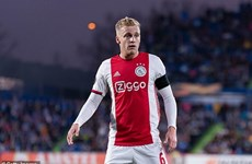 Ajax xác nhận Manchester United muốn mua Donny van de Beek