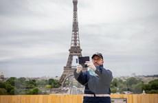 Tình hình COVID-19: Pháp cân nhắc chấm dứt biện pháp y tế khẩn cấp