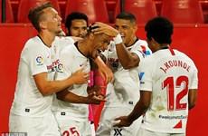 Sevilla đánh bại Real Betis trong ngày La Liga chính thức trở lại