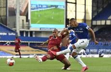 Kết quả: Liverpool 'bất lực' trước Everton, Chelsea thắng ngược