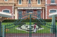Mỹ: Công viên Disneyland tại California hoãn mở cửa trở lại