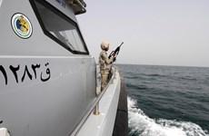 Saudi Arabia bắn cảnh cáo buộc 3 tàu Iran rời khỏi vùng biển nước này