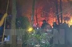 Lửa cháy bùng phát trở lại ở dãy núi Mồng Gà ở tỉnh Hà Tĩnh