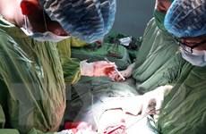 Thành phố Hồ Chí Minh: Cứu bé trai 9 tuổi bị kéo đâm thủng tim