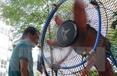 Thủ đô Hà Nội nắng nóng gay gắt, có nơi nhiệt độ trên 39 độ C