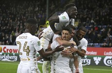 Leeds United chính thức trở lại Premier League sau 16 năm vắng bóng