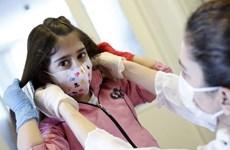 Thanh thiếu niên có thể truyền bệnh COVID-19 như người trưởng thành