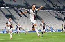 Cristiano Ronaldo lại thiết lập nên hàng loạt kỷ lục mới