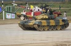 Không khí cổ vũ kíp tăng số hai của Đội tăng Việt Nam chuẩn bị thi đấu