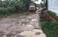 Phú Thọ: Tuyến đường huyết mạch bị các xe chở khoáng sản băm nát