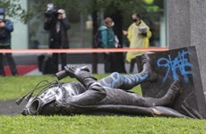 Thủ tướng Canada chỉ trích hành vi đập phá tượng nhân vật lịch sử