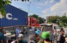 Bình Dương: Hai cô gái trẻ tử vong dưới gầm xe container