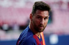 Lionel Messi đã nói gì khi quyết định ở lại Barcelona thêm 1 năm?