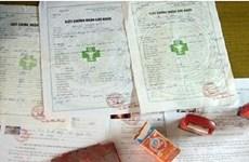 Phát hiện nhiều vụ mua bán giấy khám sức khỏe, giấy ra viện giả