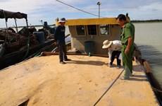 Tây Ninh: Tạm giữ bốn tàu hút cát trái phép trong hồ Dầu Tiếng