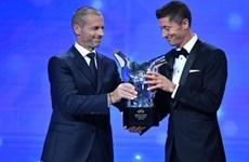 Lewandowski giành giải thưởng Cầu thủ xuất sắc nhất của UEFA