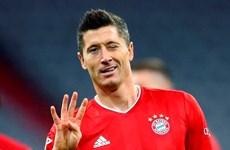 Lewandowski ghi 4 bàn, Bayern giành chiến thắng siêu kịch tính