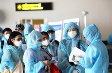 Đưa gần 360 công dân Việt Nam từ Singapore về nước an toàn