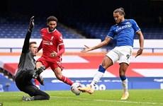 Toàn cảnh Everton hòa kịch tính trước Liverpool ở Goodison Park