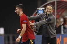 [Video] Cầu thủ Tây Ban Nha phấn khích sau khi vùi dập tuyển Đức