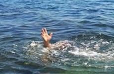 Tranh thủ làm việc nhà khi trông trẻ, hai cháu bé tử vong do đuối nước