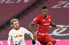 Hansi Flick phải làm gì với hàng thủ thảm họa của Bayern?