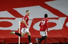 Thắng đậm Leeds 6-2, M.U chen chân vào tốp 3 Premier League