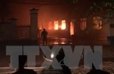 Bình Định: Khống chế hỏa hoạn trong đêm tại nhà xưởng công ty may