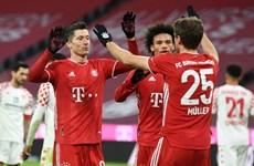 Ngược dòng thắng hủy diệt, Bayern Munich trở lại ngôi đầu Bundesliga