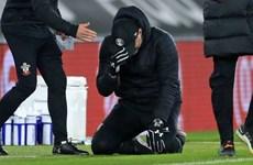 HLV Southampton rơi lệ sau khi đánh bại nhà vô địch Liverpool