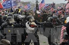 Ông Trump lệnh treo cờ rủ tưởng nhớ 2 cảnh sát thiệt mạng do bạo loạn