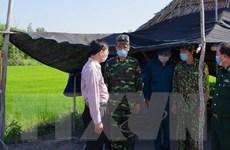 Căng mình phòng chống dịch COVID-19 trên tuyến biên giới