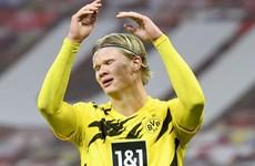 Dortmund 'hụt hơi' trong cuộc đua đến ngôi vương Bundesliga
