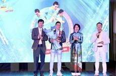 Cầu thủ Nguyễn Nhớ được trao Giải thưởng Fair Play 2020