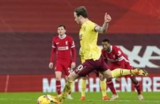 Liverpool thua sốc Burnley, đứt mạch 4 năm bất bại trên sân nhà