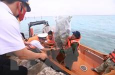 Đoàn công tác Lữ đoàn 146 chúc Tết cán bộ, chiến sỹ đảo Nam Yết