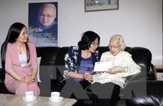 Phó Chủ tịch nước chúc Tết các lão thành cách mạng và cán bộ hưu trí