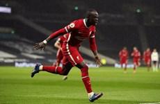 Đánh bại Tottenham, Liverpool trở lại tốp 4 Premier League