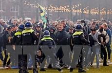 COVID-19: Hà Lan xét xử 6 đối tượng bạo loạn phản đối lệnh giới nghiêm