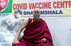 Đạtlai Lạtma được tiêm vắcxin ngừa dịch bệnh COVID-19 tại Ấn Độ