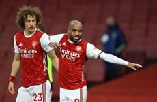 Premier League: Arsenal thắng ngược Tottenham, M.U trở lại tốp 2