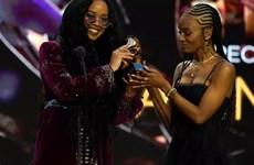Grammy: 'Bài hát của năm' thuộc về ca khúc chống phân biệt chủng tộc
