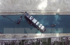 [Video] Hình ảnh mới nhất về tàu Ever Given bị kẹt ở kênh đào Suez